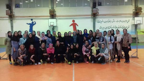 ☑مسابقات بدمینتون ویژه بانوان به مناسبت ماه مبارک رمضان در سالن حجاب بوستان بانوان منظریه برگزار شد