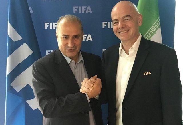 بیانیه جدید رئیس فیفا در مورد حضور زنان ایرانی در ورزشگاه